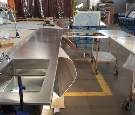 ATYPICAL STAINLESS STEEL PLATES - RADIUS STAINLESS STEEL PLATE